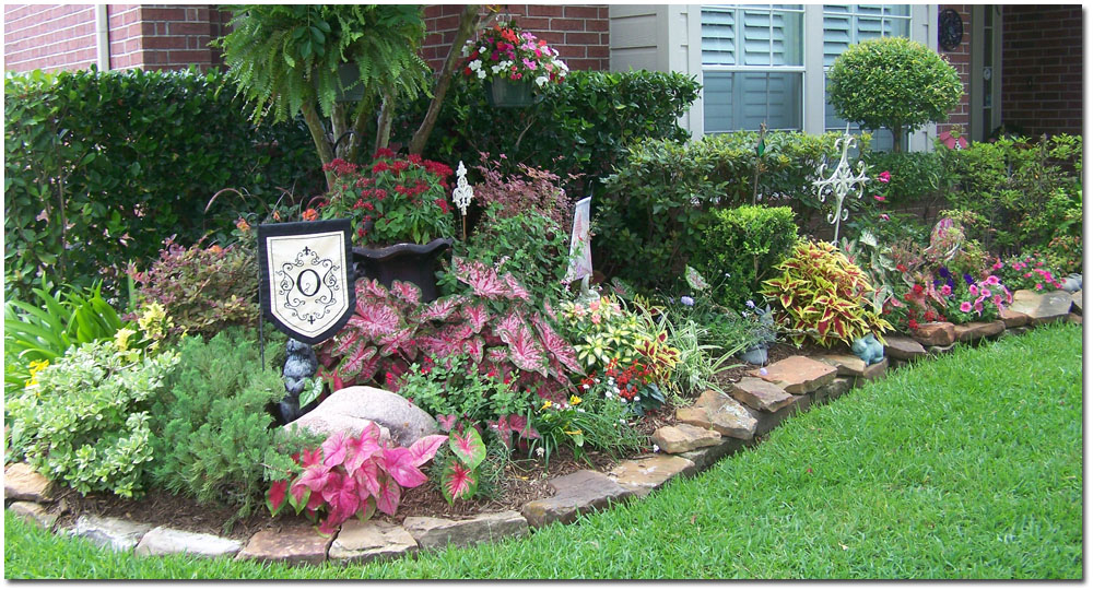 Simple landscape landscaping el paso for Simple flower garden design